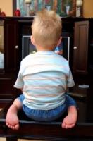 Crianças: ver TV sim.. e acompanhadas!
